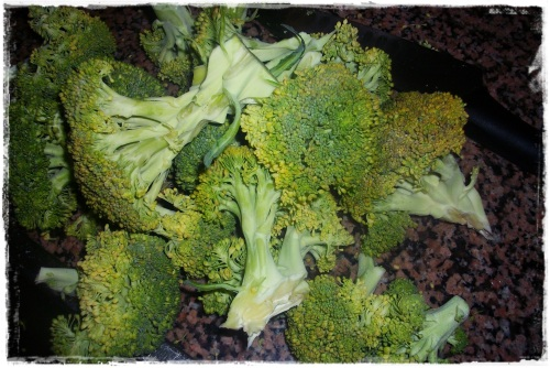 Cortar e congelar legumes. Nao vivo sem brocolos...