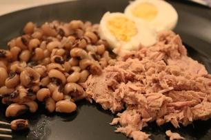 Feijão frade + Ovo cozido + Atum