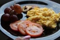 Uvas + Cogumelos Shitake + Tomate + Ovos mexidos