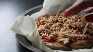 pizza_saudavel_fitness_aveia_ovos_receitas_fit_cascas_de_psilio_psyllium_husks_raparigamoderna_joana_banana_bbl_blog_portugal_ginasio_mulher_dieta (23)