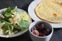 Omelete + salada + fruta