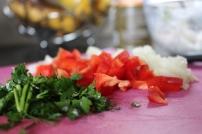 Cebola + pimentos vermelhos + salsa