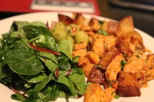 Frango, salada, batata Joanabbl, Raparigamoderna